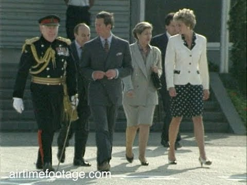 connectYoutube - Charles and Diana together at Heathrow - rushes