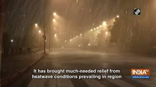 Rain, thunderstorm bring respite for Delhiites - INDIATV