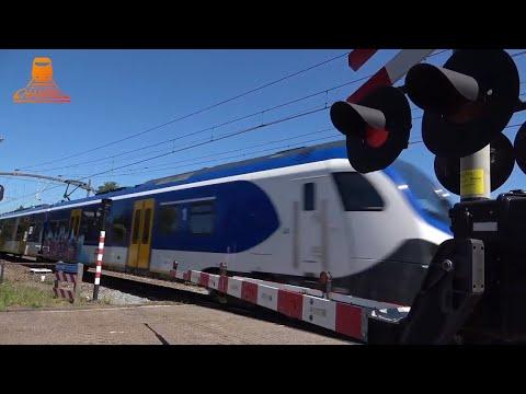 DUTCH RAILROAD CROSSING - Prinsenbeek - Spoorstraat photo