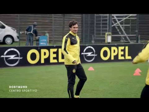 #EveryDayHeroes – La super sfida: gli F2Freestyler sorprendono i calciatori del Borussia Dortmund.