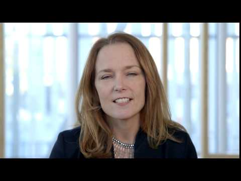 Elaine Weidman Grunewald tar ställning för flickors rättigheter