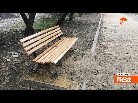Flesz Gliwice / Ławki na Alei Sikornik na swoim miejscu