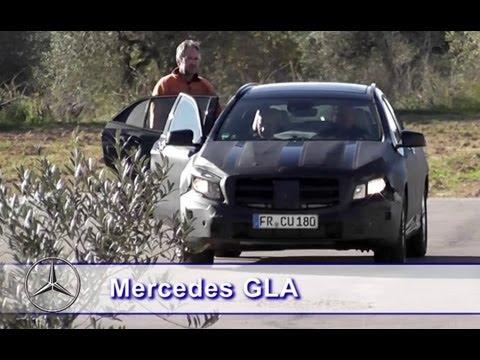 Trwają testy najmniejszego crossovera z gwiazdą - Mercedesa GLA. Spokrewniony z klasą A i B model zadebiutuje na rynku pod koniec 2013 lub na początku 2014 roku. Poza napędem na obie osie otrzyma podwyższone zawieszenie i bardziej muskularne nadwozie.