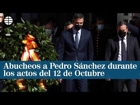 Abucheos y gritos de dimisión a Pedro Sánchez en el desfile del 12 de octubre