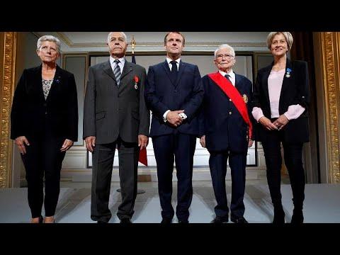 Macron elnök bocsánatot kért, amiért Franciaország nem védte meg a szövetséges algériaiakat