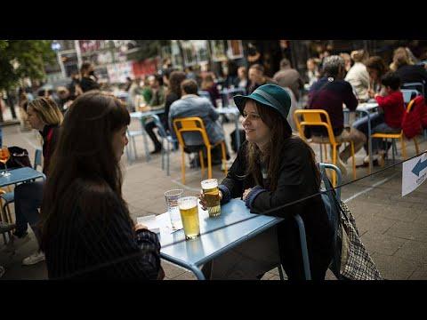 CORONAVIRUS | Bruselas cierra bares y restaurantes durante un mes