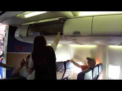 Wkręcona stewardesa doznaje szoku!