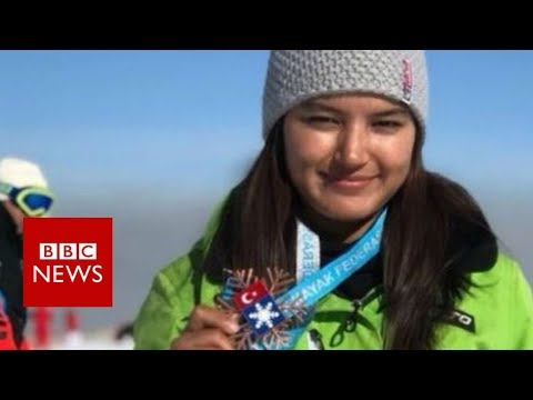 Aanchal Thakur: Meet the girl who won India's first skiing medal - BBC News