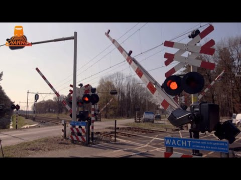 DUTCH RAILROAD CROSSING - Sterksel - Pastoor Thijssenlaan photo