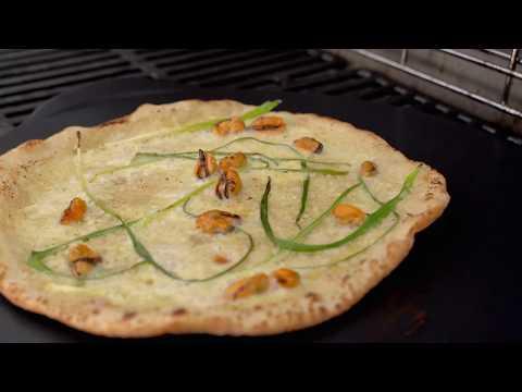 Kaja Rambæk Holmboe Bangs blåskjellpizza på grillen