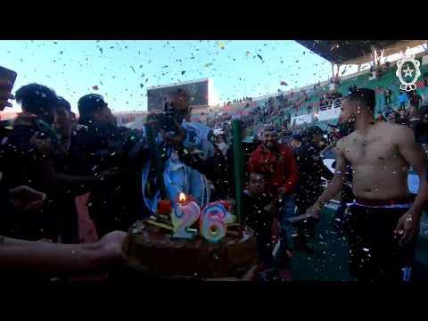شاهد الإحتفال بعيد ميلاد عميد الجيش الملكي برحمة بعد مباراة الديربي