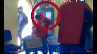 Evitan robo a escobazos y palazos en Santa Cruz del Quiché