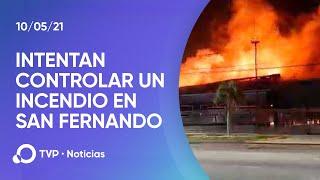 Más de 20 dotaciones de bomberos para controlar un incendio en San Fernando