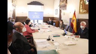 """Su Majestad la Reina asiste a una reunión del Consejo Estratégico del Proyecto """"Mujer e Ingeniería""""."""