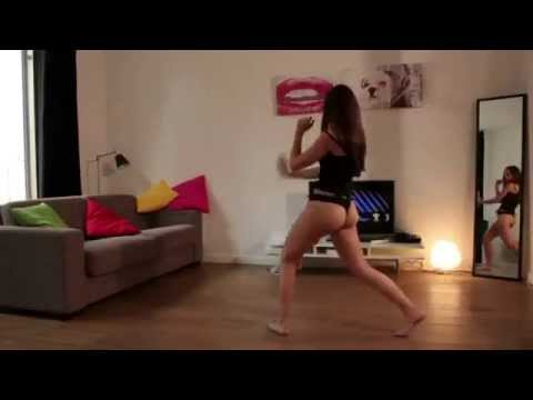connectYoutube - Sexy Teen Party Girl Dancing With Wii Front Of Her TV !
