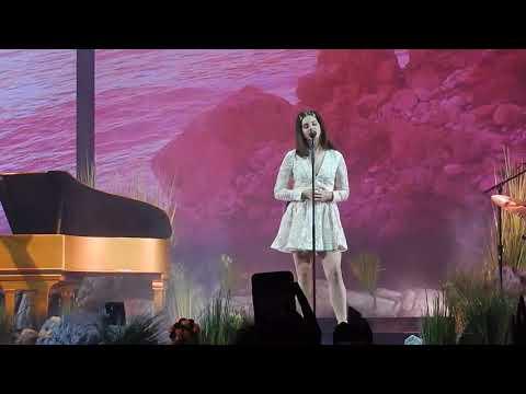 connectYoutube - Lana Del Rey- White Mustang (LA to the Moon Tour Minneapolis)