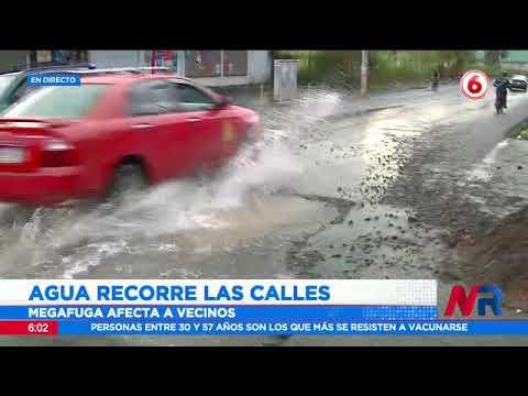 Reportan fuga de agua en barrio Valencia de Desamparados
