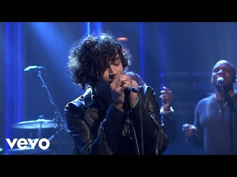 connectYoutube - The 1975 - The Sound (Live on Jimmy Fallon)