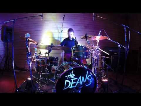 """Mathys Dubois Performs """"Boom Boom"""""""