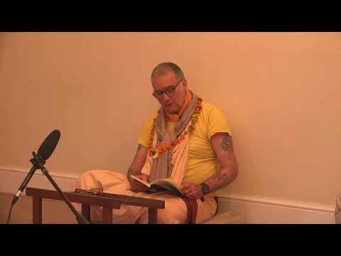 Evening reading with Sripad B. S. Tridandi Maharaj