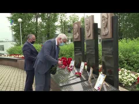 Владимир Уйба почтил память погибших в войнах и вооружённых конфликтах