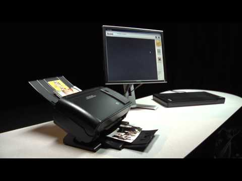 Feeding 4x6-inch photos into the Kodak Picture Saver Scanning System PS50/PS80 Preview