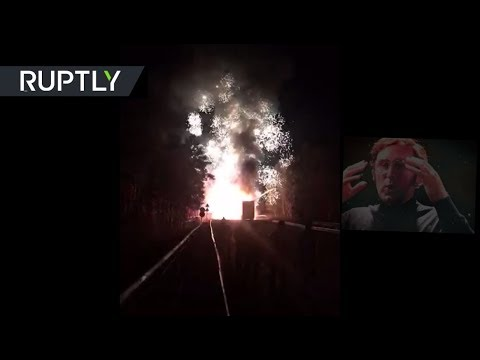 [PYROTECHNIC EXPLOSION] That's what happens when truck loaded with fireworks gets on fire | 2019