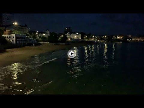 En la playa del Sardinero a las 7,30 de la mañana