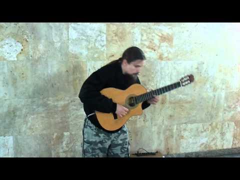 Utalentowany muzyk z dworca w Katowicach