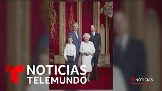 Retrato histórico de la Reina Isabel II junto a sus tres herederos   Noticias Telemundo