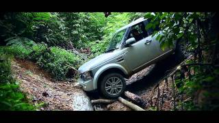 Land Rover Discovery 4 in Malaysian Jungle