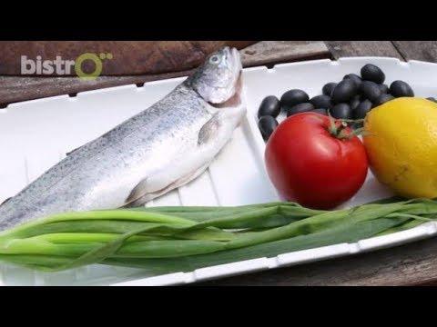 Men In The Kitchen: Българска скара - Пъстърва с домати във фолио