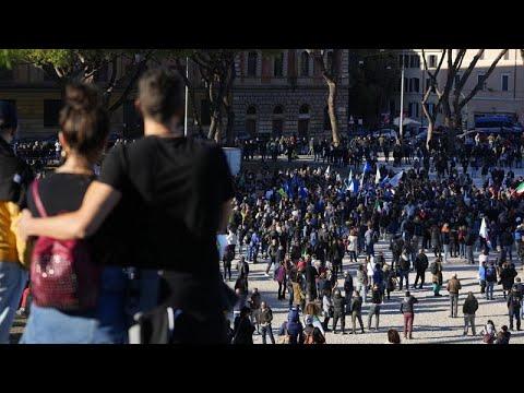 Békésen értek véget a pénteki oltásellenes tüntetések Olaszországban