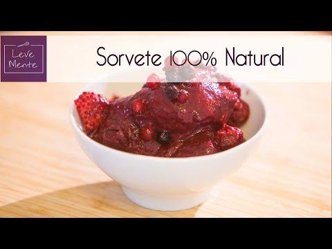 Sorvete caseiro de frutas vermelhas 100% natural