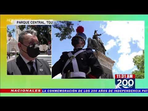 Con arreglos florales rinden honor a Francisco Morazán en la capital hondureña