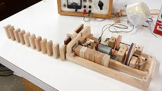 Wooden domino row building machine