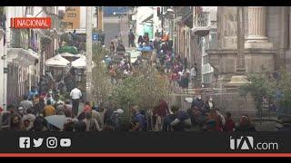 Gran afluencia de personas en las calles de Quito este sábado sin el estado de excepción
