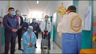 Obispo recorre hospital con Jesús Eucaristía por Solemnidad de Corpus Christi