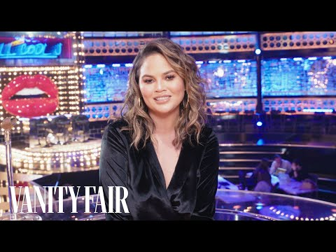 connectYoutube - Chrissy Teigen Tours the