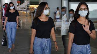 Nivetha Pethuraj Airport Look EXCLUSIVE VISUALS | Telugu Celebrities Airport Videos | TFPC - TFPC