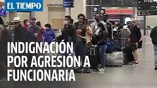Un hombre le tosio? en la cara a una funcionara el aeropuerto El Dorado
