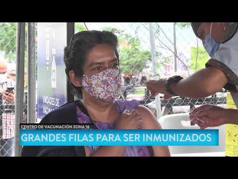 Se registran grandes filas para vacunación en Cayalá