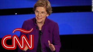 Elizabeth Warren explica por qué una mujer puede ganarle a Trump