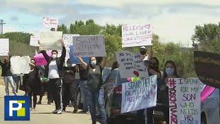 Protestan frente a una cárcel en California en donde hay unos 1,000 contagiados