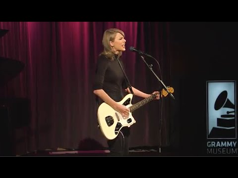 connectYoutube - Taylor Performs