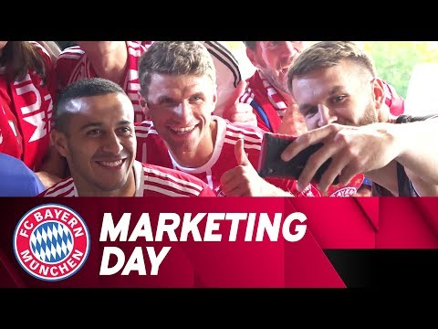 FC Bayern stars feat. James Rodríguez, Thomas Müller & co. at the Marketing Day!