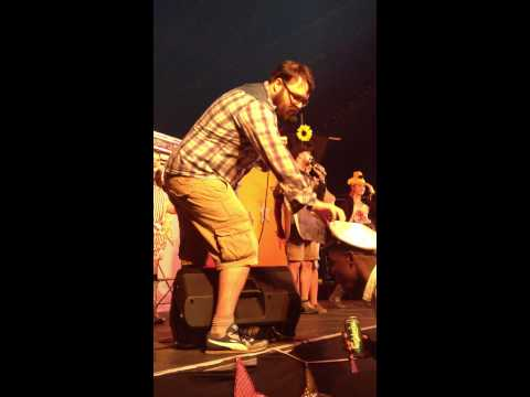 connectYoutube - Bestival Comedy: Compere Change Over 2013