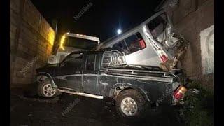 Impresionante triple colisión en Acatenango