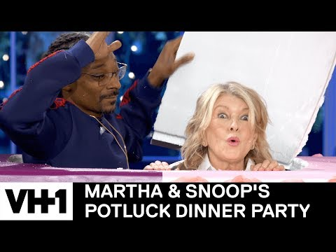 Watch the First 6 Minutes of Martha & Snoop's Potluck Dinner Party Season 2 Premiere