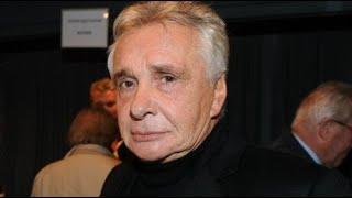 Michel Sardou: choquée, une célèbre comédienne s'en prend au chanteur